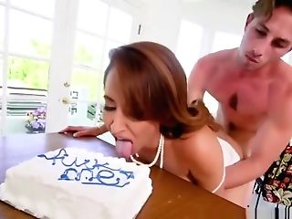 Hot Stunner Gets Her Twat Banged By Tall Horny Stud