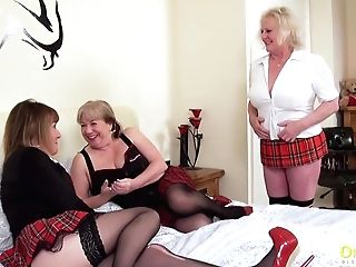 Oldnanny Lesbo Matures Poon Eating Threesome
