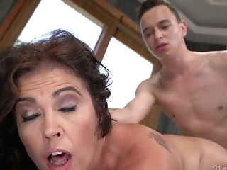 Killing Hot Cougar Montse Swapper Hooks Up With Youthful Student Living Nextdoor
