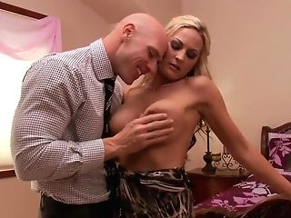 Wonderful Porn Industry Star's Duo Shows Pretty Oral Hookup