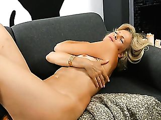Torrid Blondie Head Diana Gold Is Active With Taunting Her Czech Hairy Muff