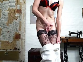 Matures Light-haired Housewife In Stockings Artemia Masturbates Smoothly-shaven Vag