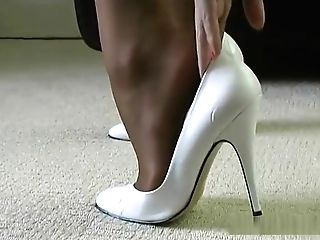 Horny Cougar Talks Dirty To You About Cuming Inwards Her Sexy Stiletto High-heeled Slippers
