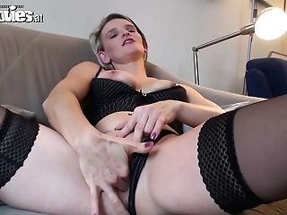 Joy Movies Hot Inexperienced Mummy Masturbating