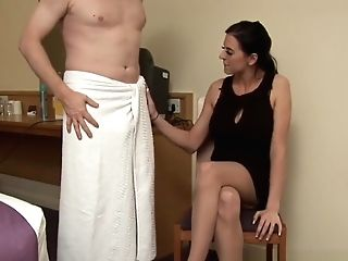 Uk Cfnm Stunner Wanking Meatpipe After Pussyplay