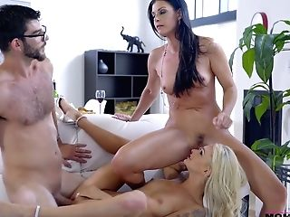 Stepmom India Summer Helps Stepdaughter Emma Hix To Please Her Beau