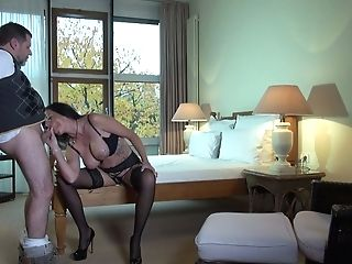 Horny Housewife In Stockings And Undergarments Is Meeting Fresh Neighbor