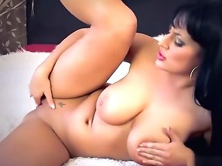 Naturally Huge-titted Egyptian Cougar