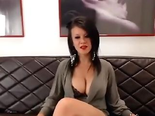Matures Chick With Bomb Cleavage Smoking A Ciggy